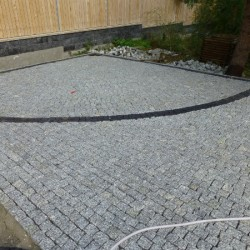 Granit szary i bazalt